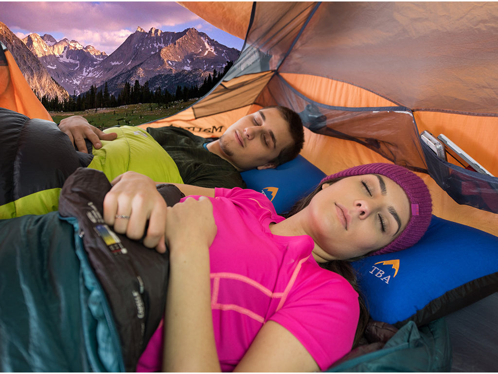 Camping_with_3_in_1_Sierra_Camping_Pillow_2017psd